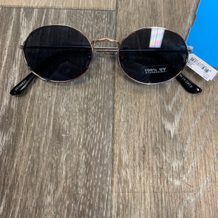 Primary Photo - BRAND:  ICHISTYLE: SUNGLASSES COLOR: BLACK OTHER INFO: ICHI - SKU: 137-13745-217480
