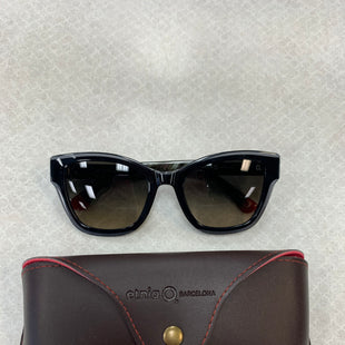Primary Photo - BRAND:  ETNIA BARCELONA STYLE: SUNGLASSES COLOR: BLACK OTHER INFO: ETNIA BARCELONA - RETAIL $160 SKU: 137-13745-218086
