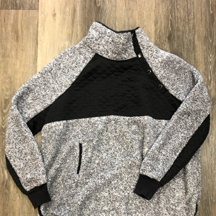 Primary Photo - BRAND: MAURICES STYLE: FLEECE COLOR: GREY SIZE: XXL SKU: 137-137177-25540