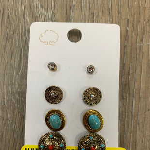 Primary Photo - BRAND:    CLOTHES MENTOR STYLE: EARRINGS SKU: 137-13745-221384