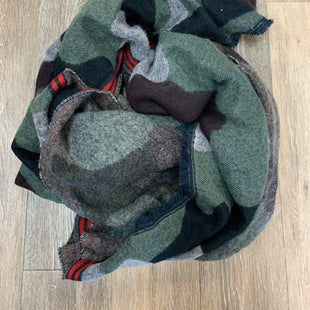 Primary Photo - BRAND:    QUAGGASTYLE: SCARF WINTER COLOR: CAMOFLAUGE OTHER INFO: BLANKET SCARF SKU: 137-137160-28535