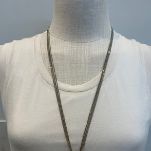 Primary Photo - BRAND: EXPRESS STYLE: NECKLACE COLOR: WHITE SKU: 137-137191-7110