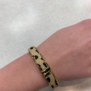Primary Photo - BRAND:    CLOTHES MENTOR STYLE: BRACELET COLOR: ANIMAL PRINT SKU: 137-137160-28592