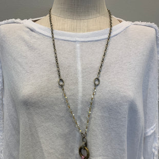 Primary Photo - BRAND:    CLOTHES MENTOR STYLE: NECKLACE SKU: 137-13714-175388