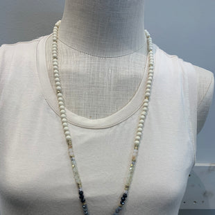Primary Photo - BRAND:    CANVASSTYLE: NECKLACE COLOR: WHITE OTHER INFO: CANVAS - SKU: 137-13745-219878