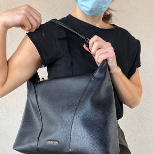 Primary Photo - BRAND: CALVIN KLEIN STYLE: HANDBAG COLOR: BLACK SIZE: MEDIUM OTHER INFO: IVY HOBO - RETAIL $168 SKU: 137-137190-2629