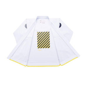 The MOVEMENT Lightweight Competition Kimono - White