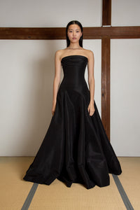 Off shoulder voluminous gown in silk faille