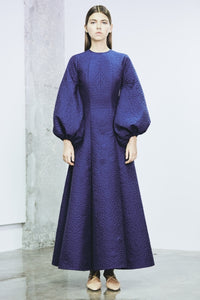 Puff sleeves, voluminous back strap maxi quilt dress