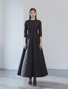 3/4 sleeves voluminous gown