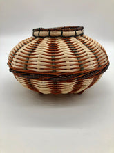 Load image into Gallery viewer, Stylish Beaded Basket