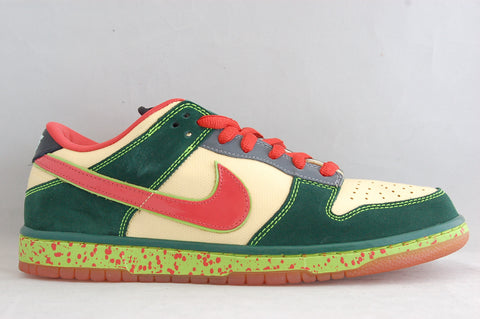 Nike SB Dunk Low Mosquito