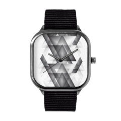 Trianglism Watch