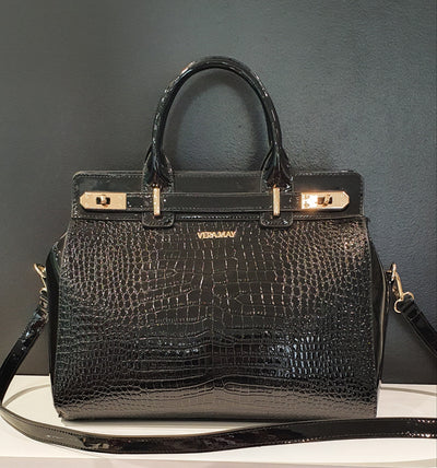 Large Faux croc and patent handbag, lots of space and pockets. Also comes with long strap. Really nice every day handbag, with style and room for all the accessories.