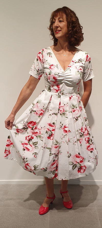 Lola by Vintage Addiction is a 50's inspired lovely dress for any occasion, we make it with many different fabrics . It is a very flattering design that accentuates the waist and is great at making you feel truly feminine.