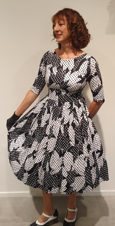 Grace by Vintage Addiction, is a signature design that we carry all year round, in fabrics suitable for each season. This dress is extremely flattering for many figure types. The sinched in waist and full skirt hides tummies, and wider hips, focusing on the waist. But also creates a hourglass for ladies that don't have…