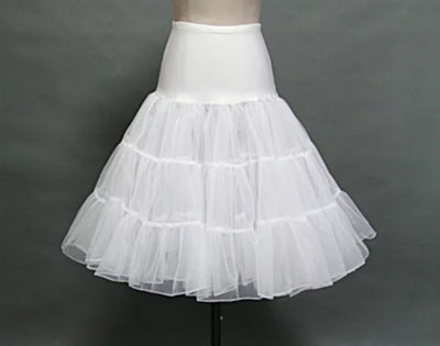 White organza 3 layer petticoat, with a wide soft and stretchy waist band. This is a great accessory to your full skirt dresses. They add  a real glamour to the 50's dresses, and make your waist look  smaller!! One size fits most