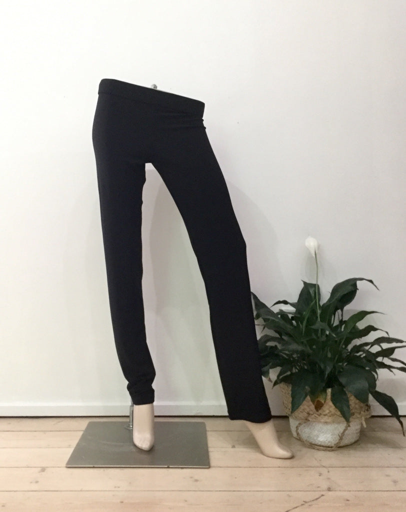 J tapered pants black