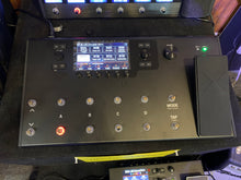 Load image into Gallery viewer, Line 6 Helix LT Multi-effects processor