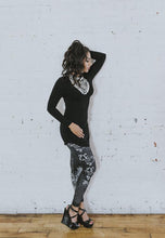 Load image into Gallery viewer, NoMiNoU Shabeena Legging (Black & Red)
