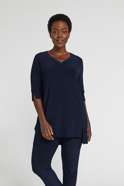 Sympli Motion Step Hem Tunic in Navy