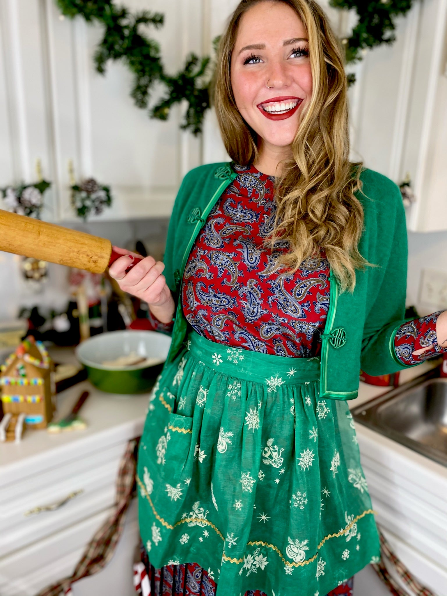 Holiday Buttoned Apron