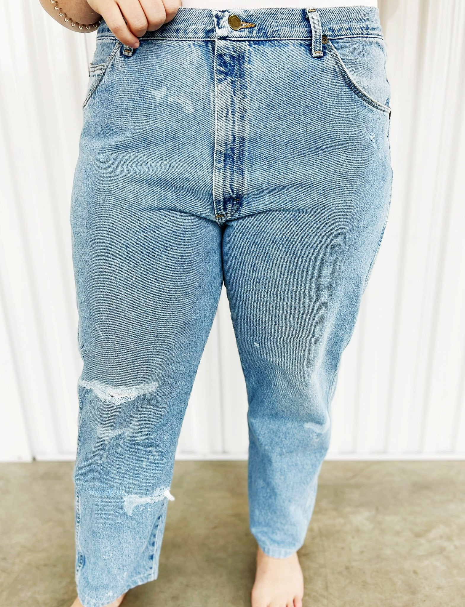 Wrangler Medium Wash Bleached Jeans (43)