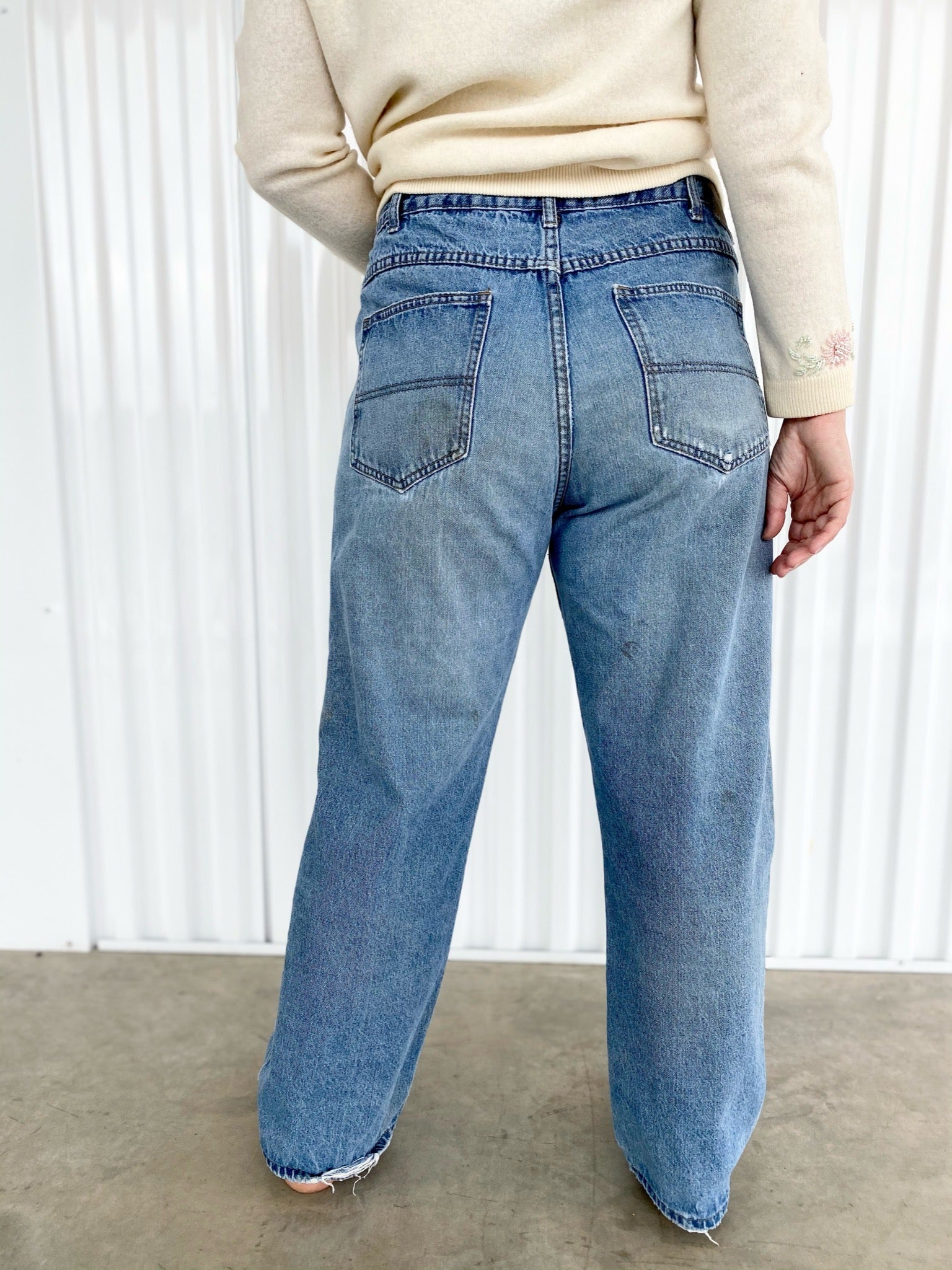 Field N Forest Distressed Jeans (34)