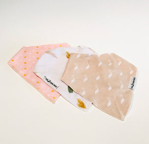 Bandana Bib Set (3) Stork Heart Feather