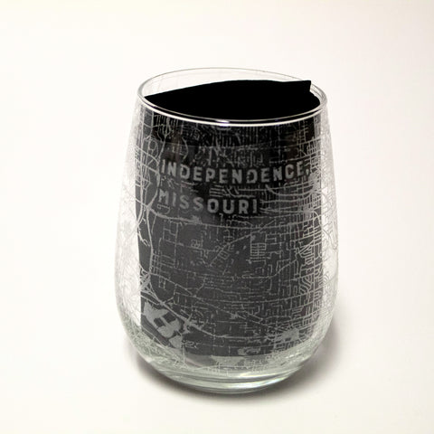 Etched Map Of Independence Stemless Wine Glass