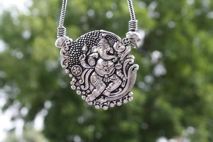 Sawarna Sterling Silver 925 Ganesh Pendant Necklace With Earings - iZiffy.com