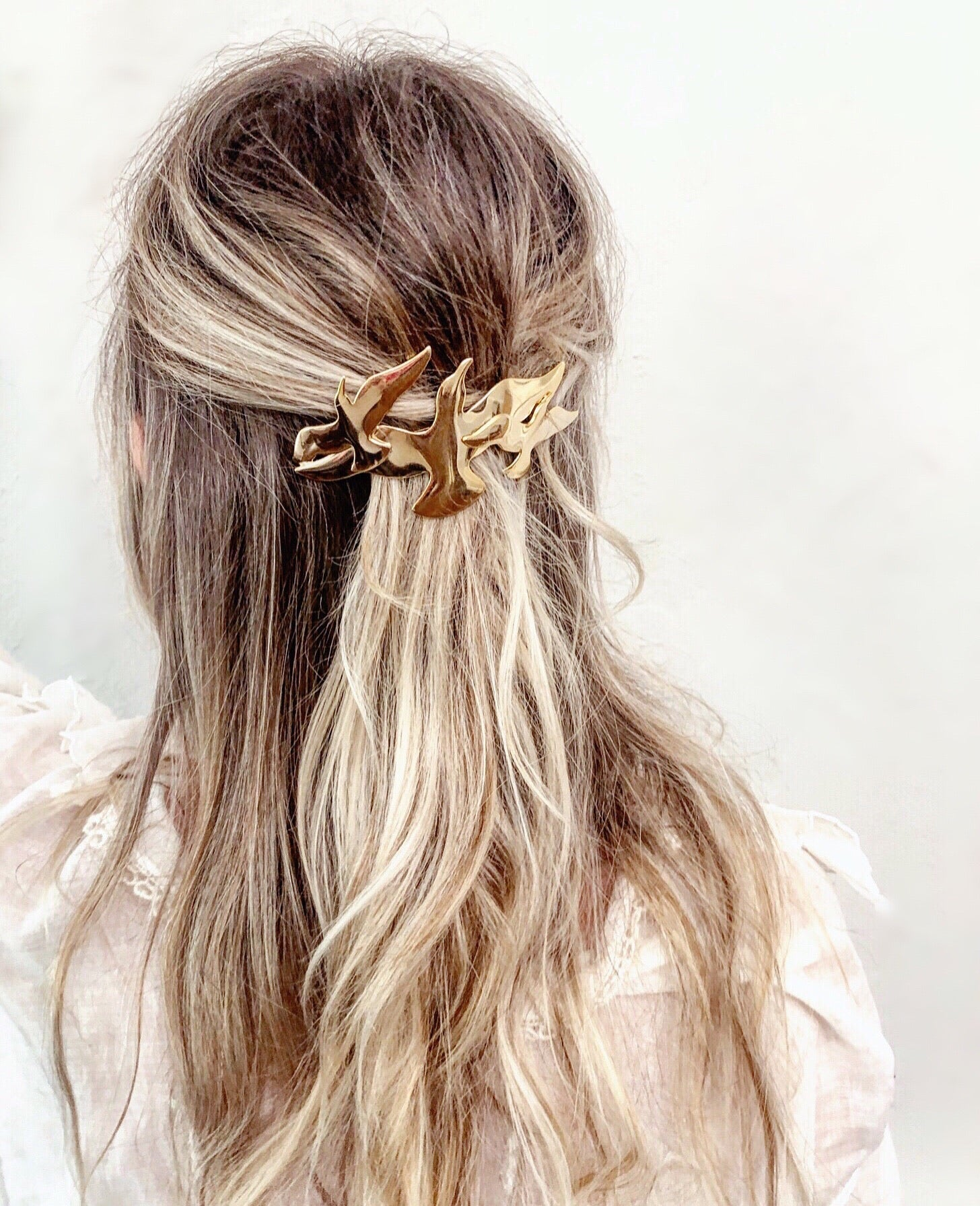 GOLDEN WINGS BARRETTE