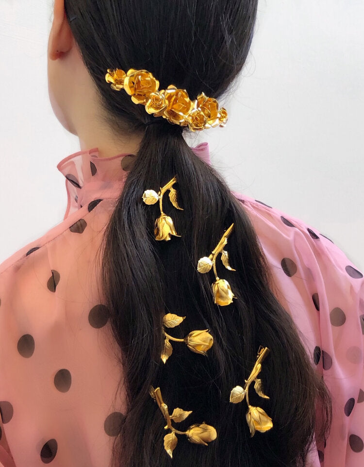 FIELD OF ROSES HAIR CLIP