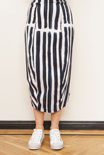 Load image into Gallery viewer, RUNDHOLZ BLACK LABEL SKIRT