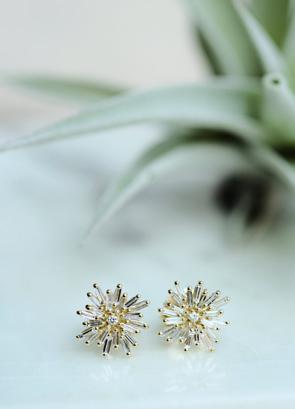 Suzanne Kalan Star Post Earring - 065ct Baguette & Round White Diamond on Fireworks Setting