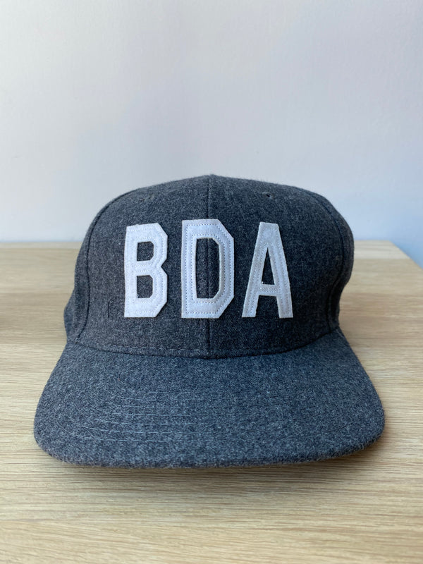 Bermuda Hat Wool Charcoal/White
