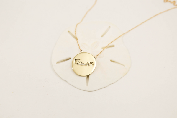 Bermuda Large Round 14 K Gold Silhouette Necklace