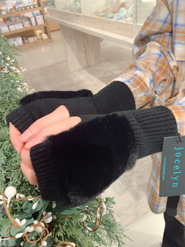 Jocelyn Faux Fur Texty Time Mittens