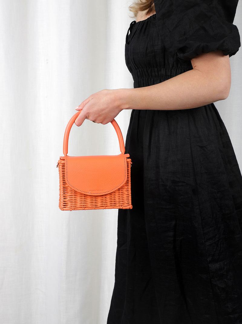 Babing---Orange---Outfit-with-Strap-Wicker-Wings-Wicker-Bag-Bucket-Bag-Bags-for-Women-Designer-Handbags-Beach-Bag-Summer-Bag-Straw-Bag-Black-Bag-Crossbody-Bag-Mini-Bag-Leather-Handbag