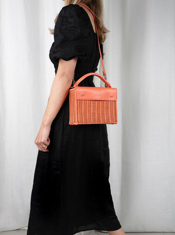 Kuai---Orange---Outfit-with-Strap--Wicker-Wings-Wicker-Bag-Bucket-Bag-Bags-for-Women-Designer-Handbags-Beach-Bag-Summer-Bag-Straw-Bag-Black-Bag-Crossbody-Bag-Mini-Bag-Leather-Handbags