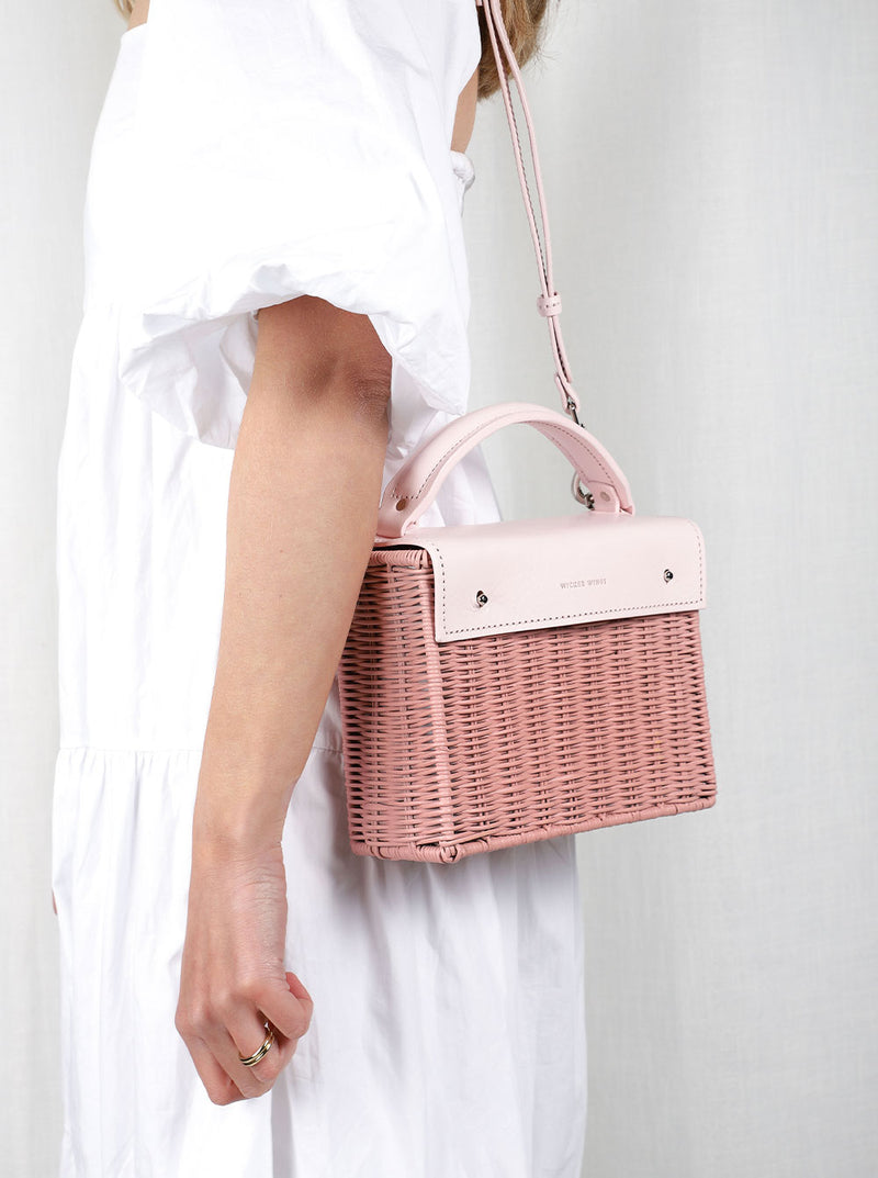 Kuai---Pink---Outfit-with-Strap--Wicker-Wings-Wicker-Bag-Bucket-Bag-Bags-for-Women-Designer-Handbags-Beach-Bag-Summer-Bag-Straw-Bag-Black-Bag-Crossbody-Bag-Mini-Bag-Leather-Handbags-Purse