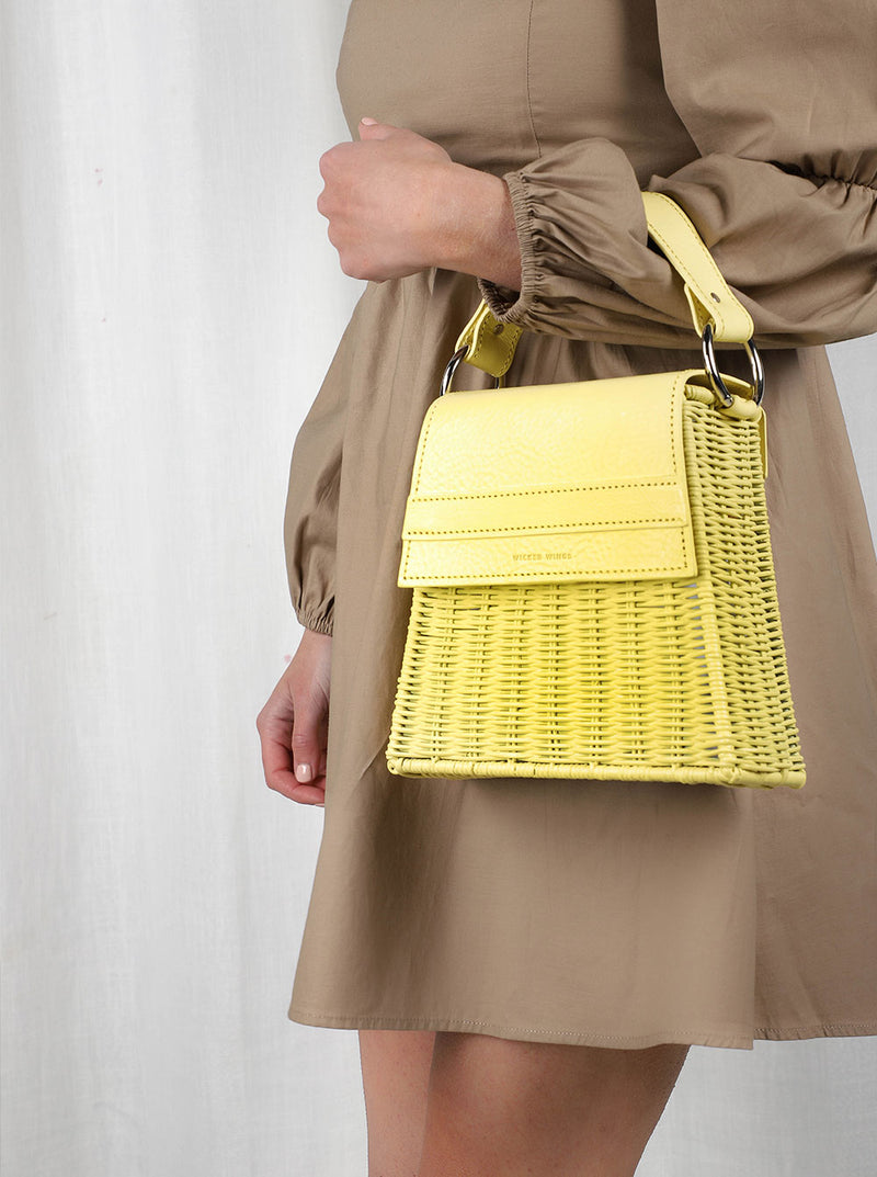 Lian---Yellow---Outfit-Wicker-Wings-Wicker-Bag-Bucket-Bag-Bags-for-Women-Designer-Handbags-Beach-Bag-Summer-Bag-Straw-Bag-Black-Bag-Crossbody-Bag-Mini-Bag-Leather-Handbags-Purse