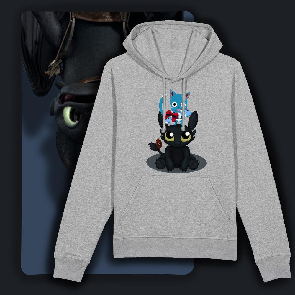 sweat manga manga Happy sur Krokmou est illustré avec Happy de Fairy tails et Krokmou de Dragon. texte humouritique sweat drôle collection sweat-shirt manga homme et sweat-shirt manga femme gris