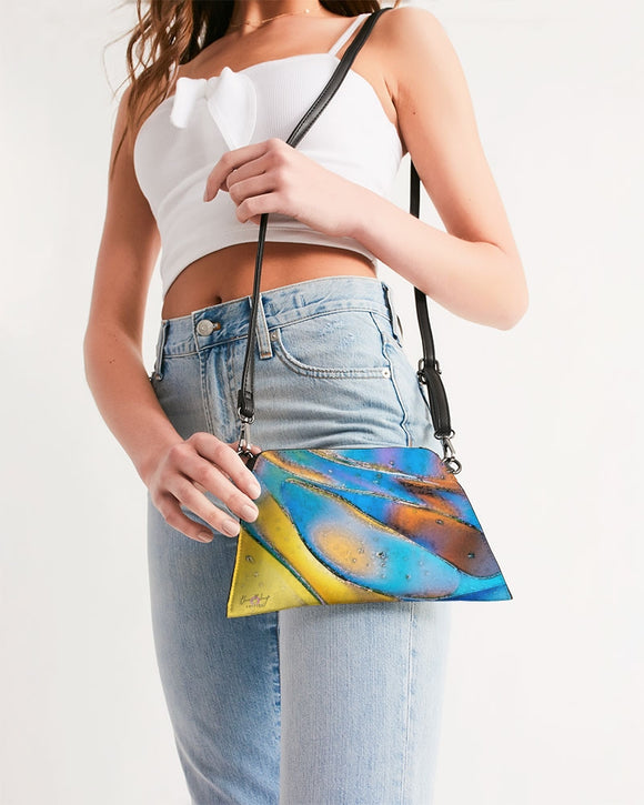 Pop Wave Design Wristlet