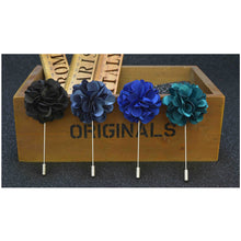 Load image into Gallery viewer, Lapel Flower Boutonniere