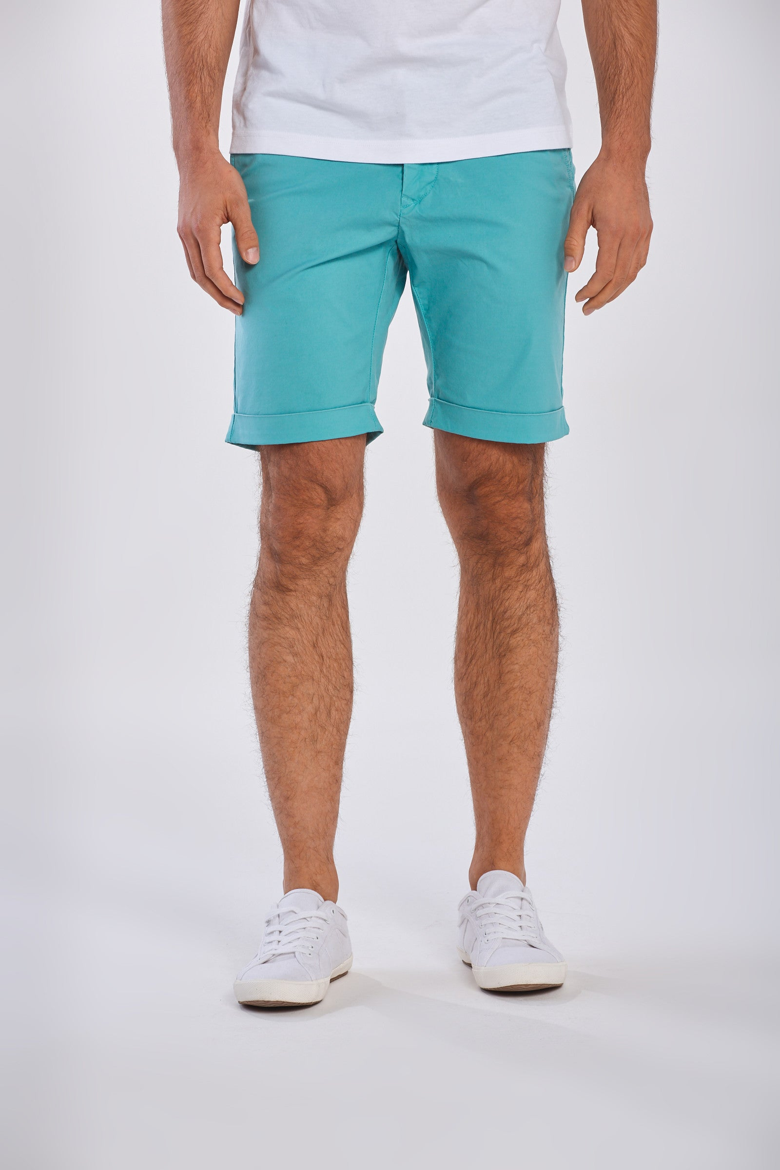 Gant - Regular Fit Sunfaded Shorts in Aqua