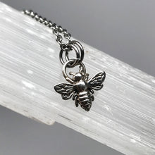 Load image into Gallery viewer, Sterling silver bee pendant necklace