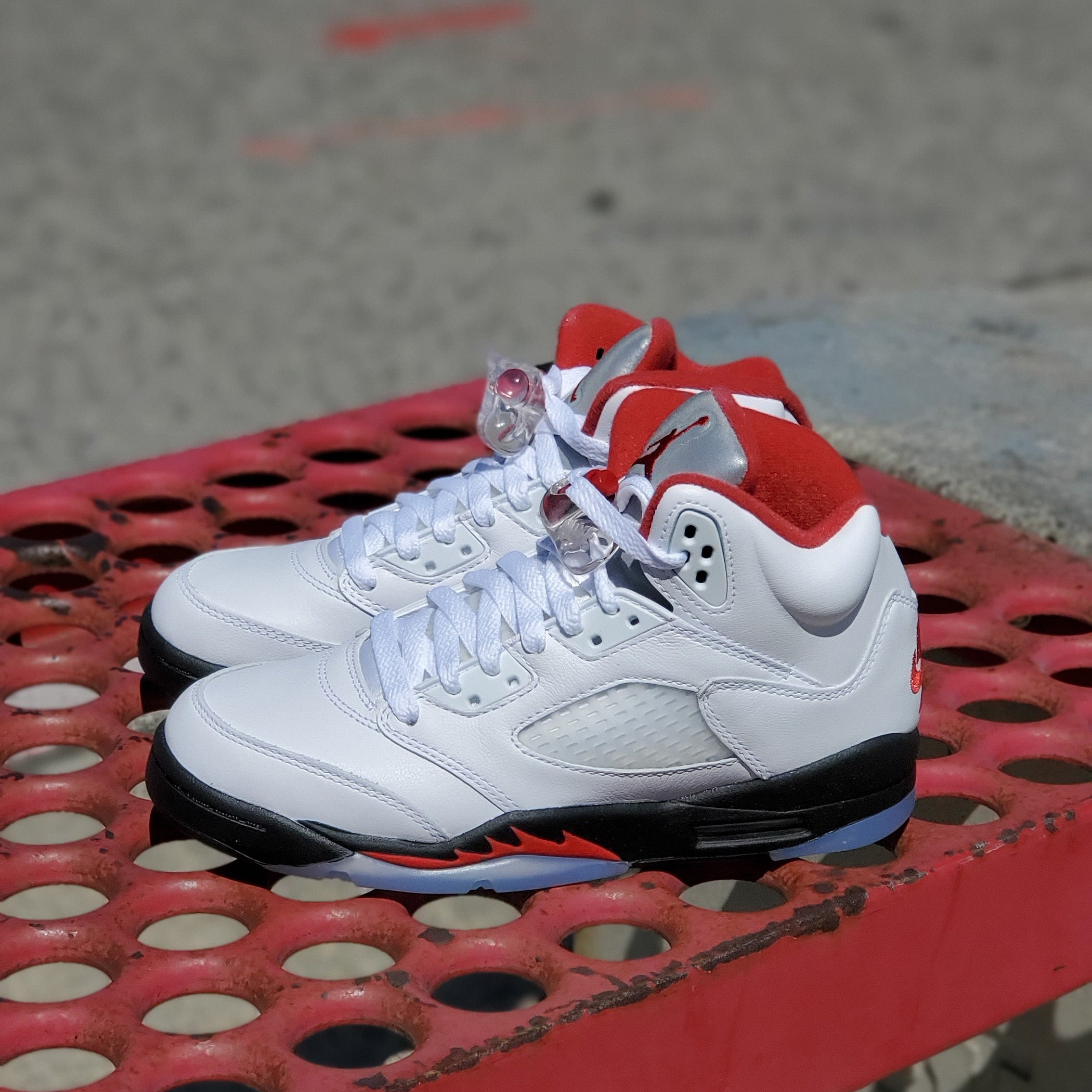 AIR JORDAN 5 RETRO GS FIRE RED 2020 SILVER TONGUE