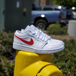 Load image into Gallery viewer, W AIR JORDAN 1 LOW WHITE/UNIVERSITY RED