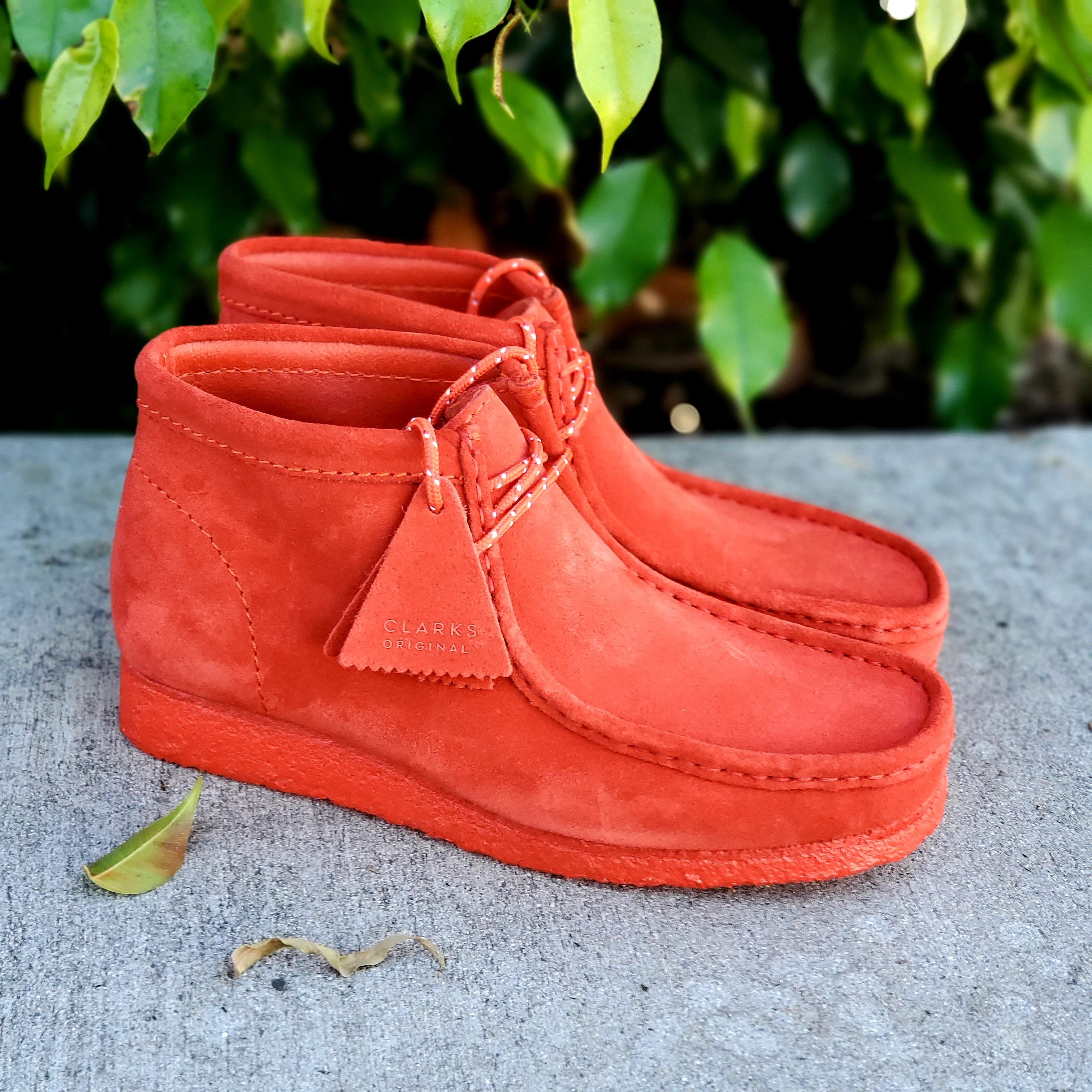 WALLABEE BOOT RED SUEDE
